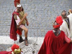 Gluteus Maximus reporting to his Consul, Primus Stovus