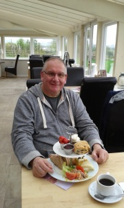 Recovering from an ankle op, Ken discovers hospital food isn't that bad!